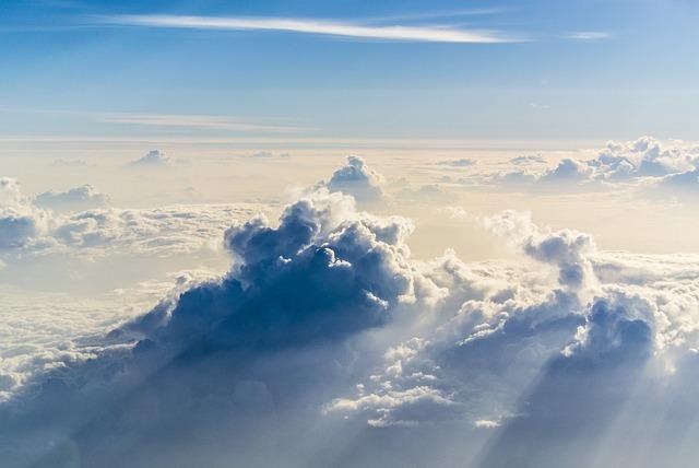 clouds-984175_640_mini