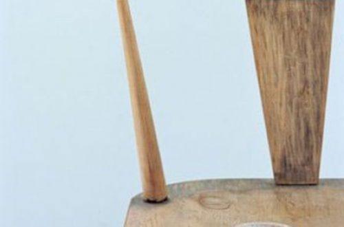 Убираем потертости на старой обшарпанной деревянной мебели