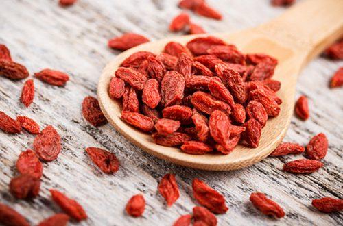 10 лайфхаков, как хранить фрукты и ягоды: продлить вкус лета