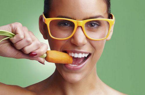 ТОП 10 лайфхаков для глаз: кроме морковки