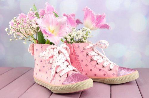ТОП 10 лайфхаков, как почистить обувь: встречают по ботинкам