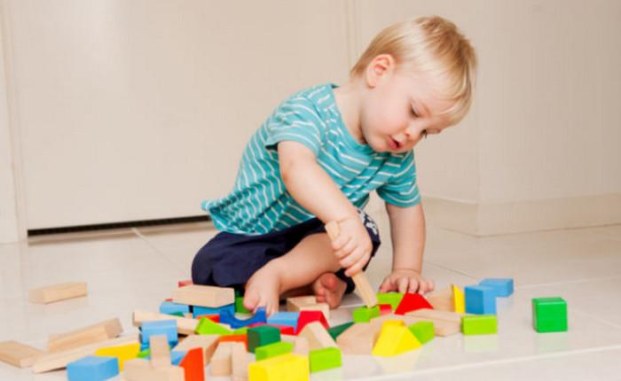 ТОП 10 лайфхаков, чем занять ребенка: если мама занята