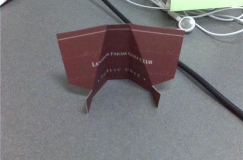 Бизнес подставка для айфона из картона