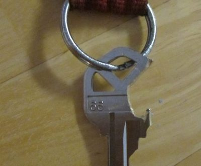 Открывалка для бутылок пива из ключей