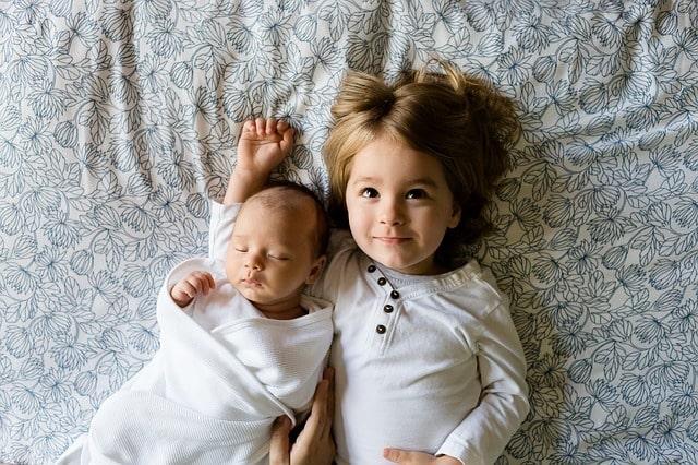 маленькие дети ребёнок брат сестра