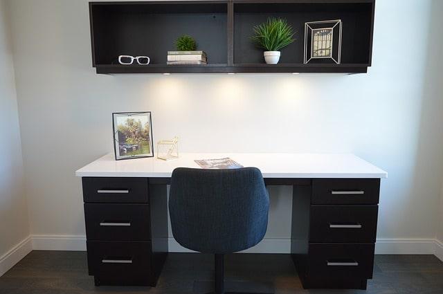 письменный стол полки