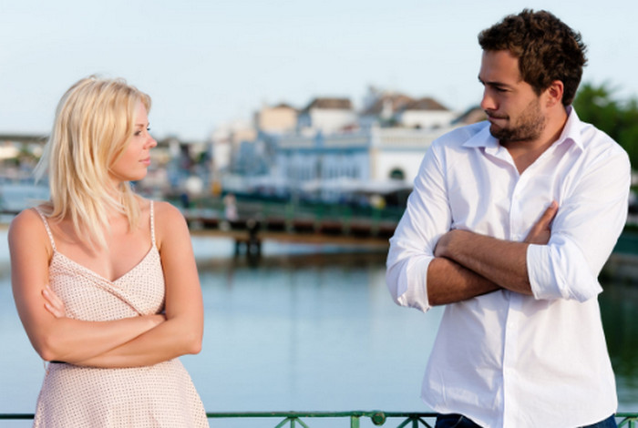 ТОП 10 лайфхаков, как нравиться людям: советы психологов