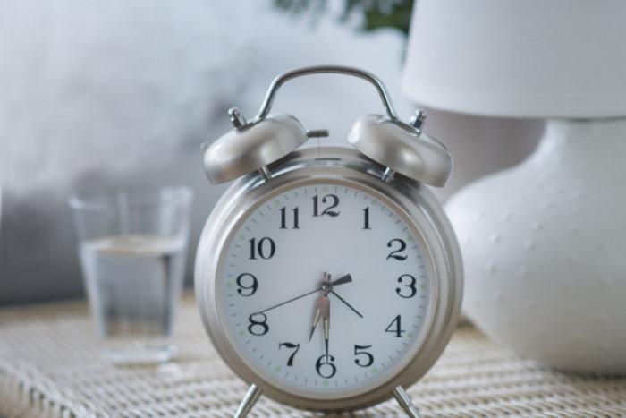 ТОП 10 лайфхаков, как стать жаворонком: про ранний подъем
