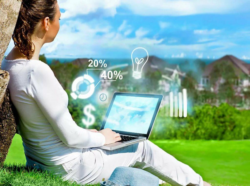 Работа веб-моделью - это возможность легко и быстро зарабатывать даже без диплома