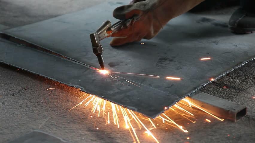 Что представляет собой газовая резка металла